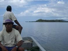 kleines Boot für kleine Insel